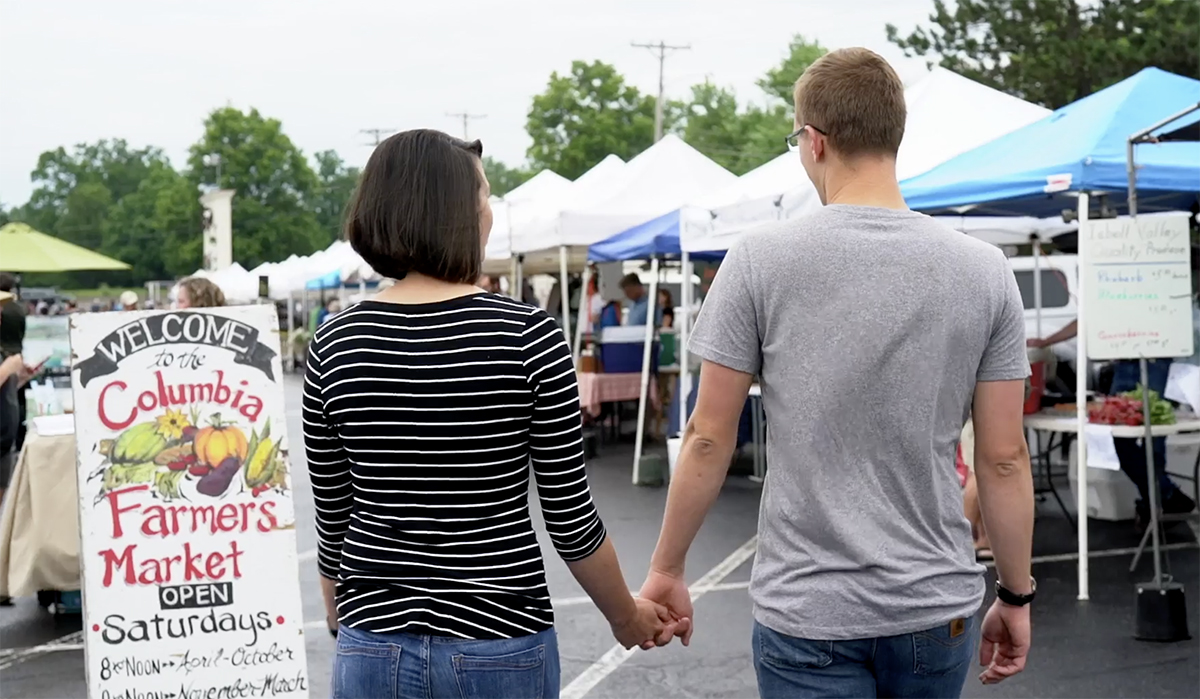 Shopping at farmers markets and U-pick operations grows small businesses and Missouri communities.